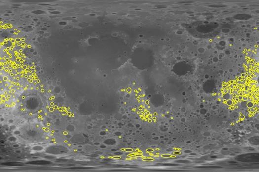 Ay_yasli kraterler