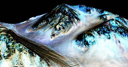 NASA: Mars'ta Akan Suyun İzini Bulduk