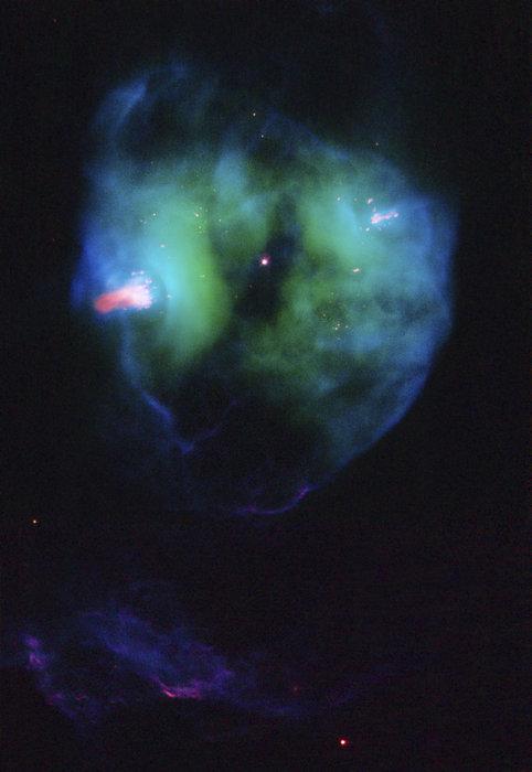 4300 ışık yılı uzaklıktaki NGC 2371 bulutsusu. Yüksek çözünürlükteki görüntü için görsele tıklayınız (NASA/ESA/Hubble Heritage Team (STScI/AURA)).